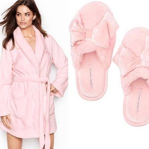 Victoria secret Bundle pink robe and slippers